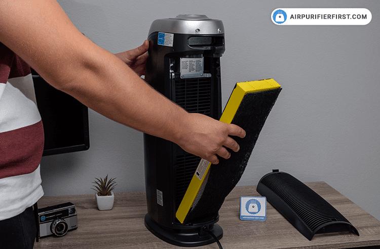 GermGuardian AC4825 Replacing-Filter - Step 2
