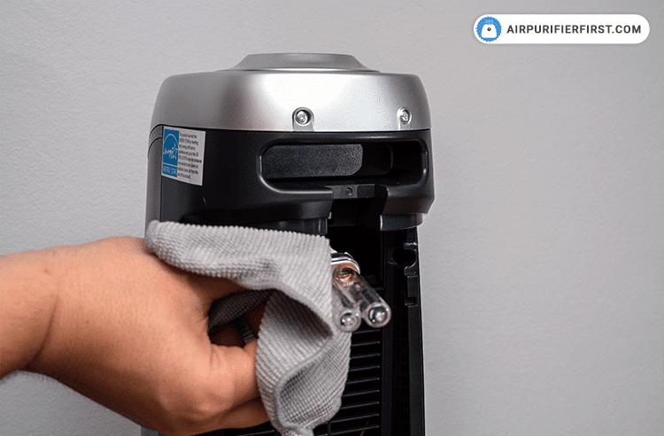 GermGuardian AC4825 Replacing UV-C Bulb - Step 4