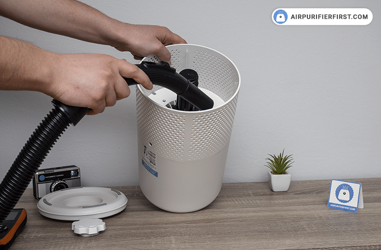 Use a vacuum cleaner to clean the interior of the air purifier. Never use water or liquids for cleaning.
