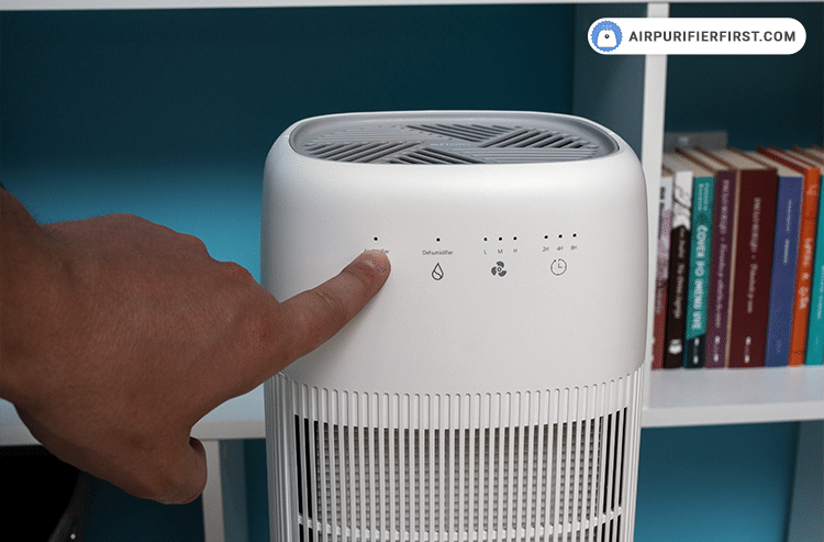 The last step after inserting the new filter into the device is to reset the filter reset indicator by holding your finger on the power button for 7 seconds.