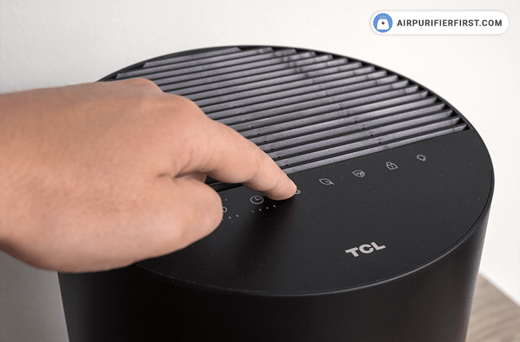 The last step is to reset the filter reset indicator. This can be done via the TCL Home app or by holding your finger on the filter reset indicator for 3 seconds. After a successful reset, the filter reset indicator will turn white.